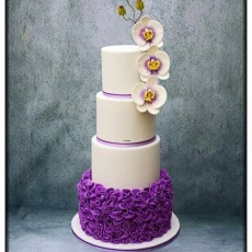 white-purple-wedding-cake-orchids.jpeg